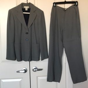 Ann Taylor navy pants suit size 2P